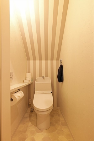 restroom_swedenhime_bigroof_15.jpg