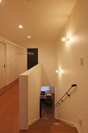 stairway_swedenhome_bigroof_15.jpg
