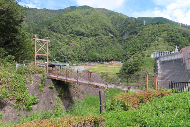 四季彩公園の吊橋1