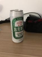 部屋でビール191025