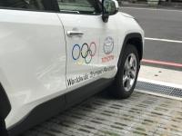 試乗車にオリンピックロゴ191101