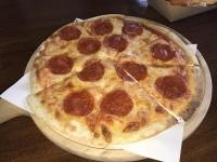 チーズサラミピザ200125