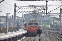 電気機関車とディーゼル機関車200110