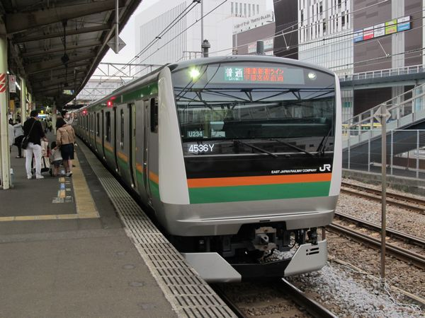 E231系とともに上野東京ラインで使用されるE233系。