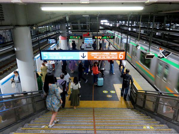 東海道線と京浜東北線が対面になった品川駅5・6番線ホーム