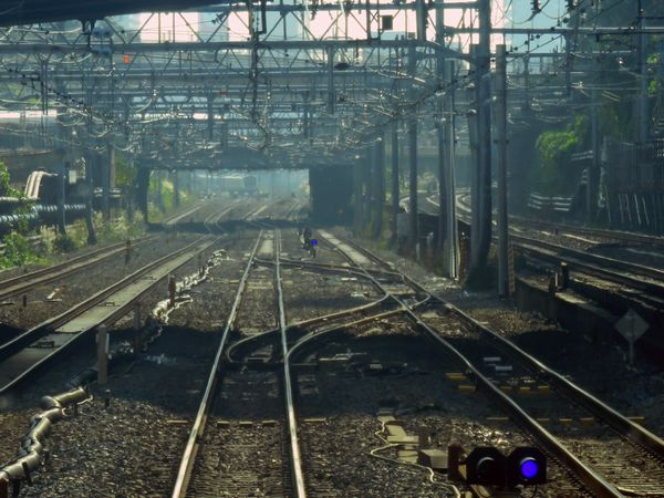 品川駅の引上線廃止に伴い大井町~品川間に新設された渡り線。周辺には入換信号機や停目もあり、本線上での折り返しも可能。