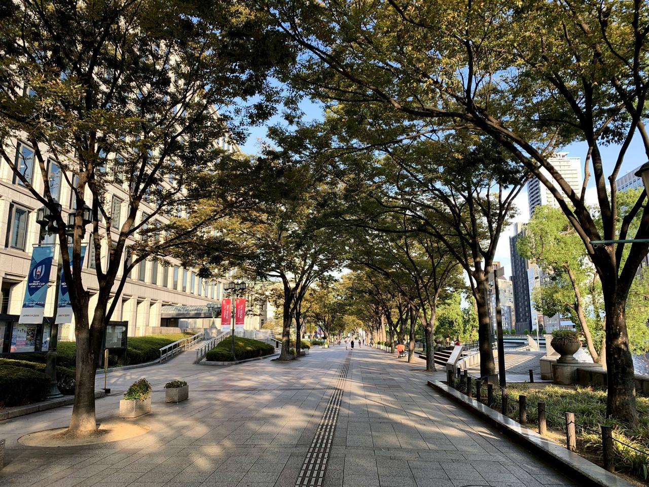 20191007大阪建物05市役所横歩道