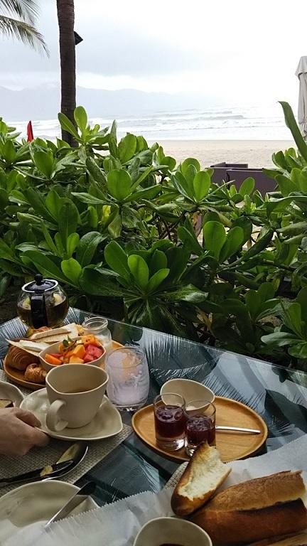 ホテル庭朝食 (3)