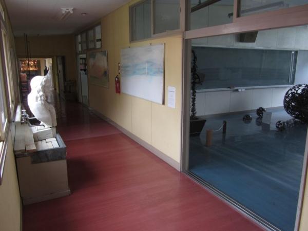廊下と教室