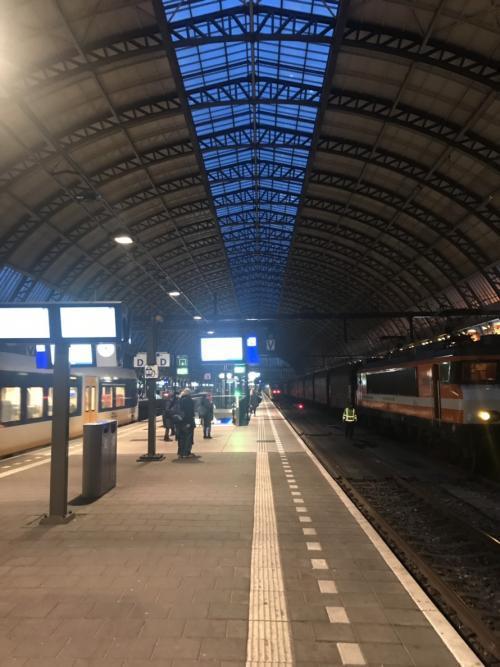 中央駅 S