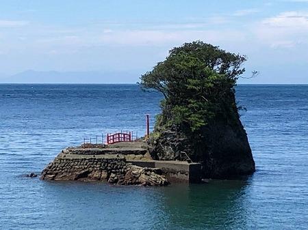 ゴジラ岩 (1)