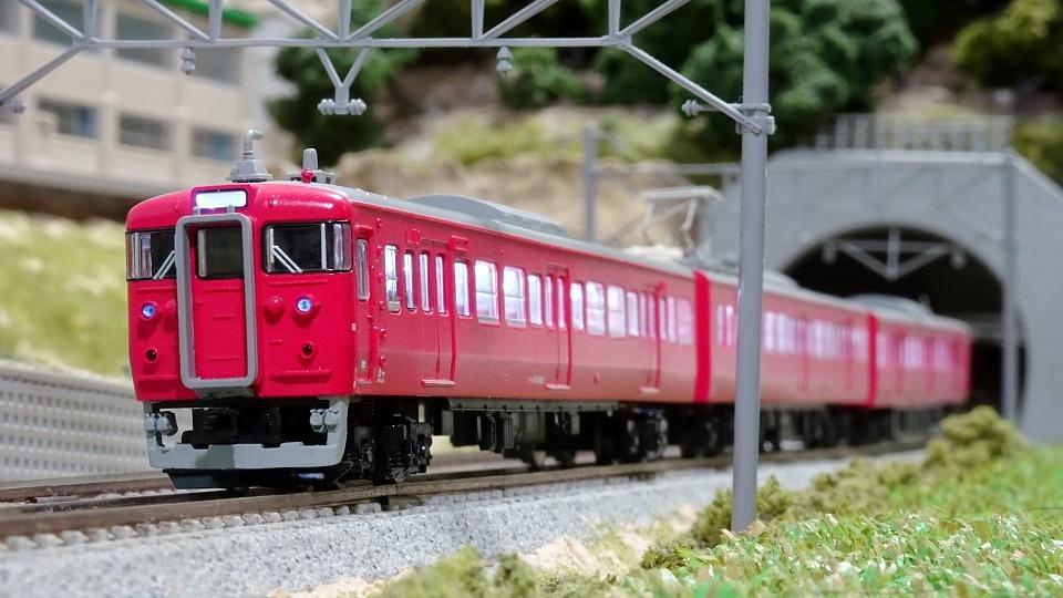 415系800番台七尾線あかね色