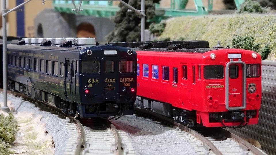 キハ58系 快速シーサイドライナー  紺色