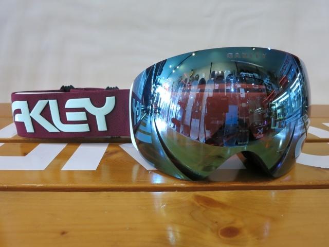 Oakley19/20Flightdeck1