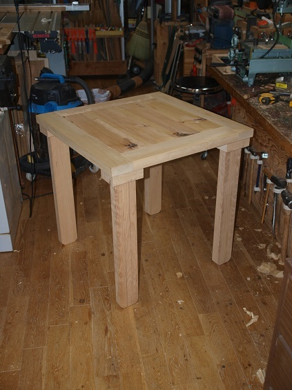 P9300010 テーブル試作品完成
