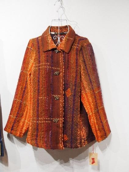 PC130185 手織りの服