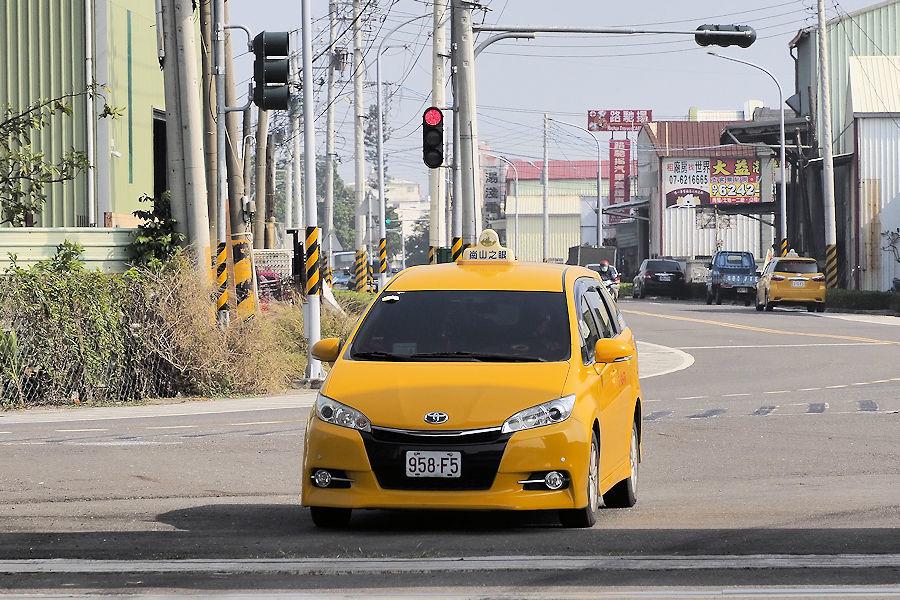 20200106-35_迎えのタクシー