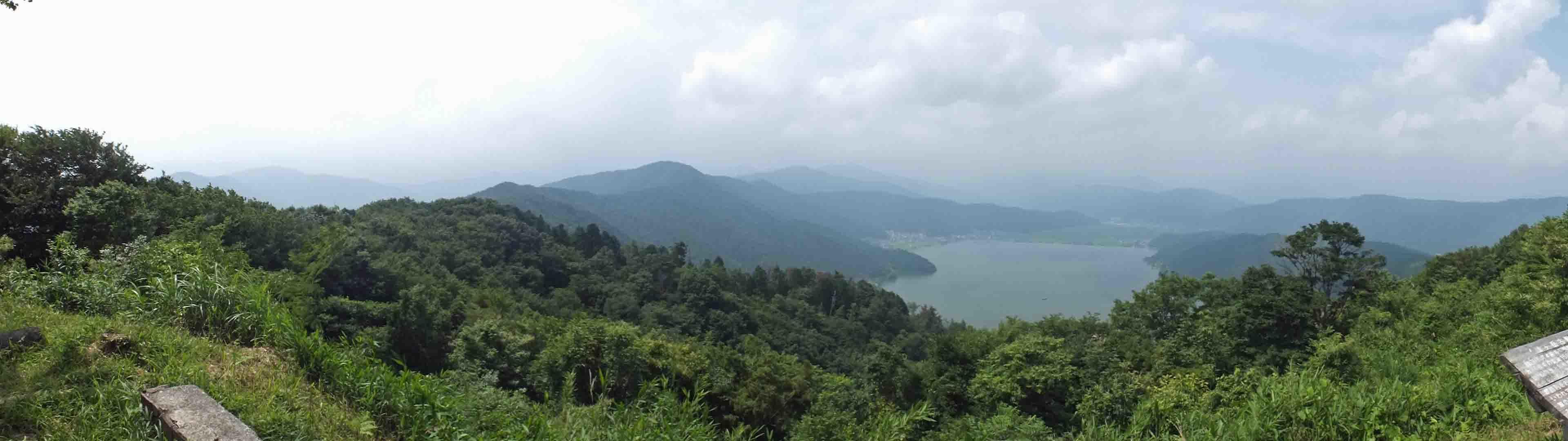 DSCF3197山頂から余湖