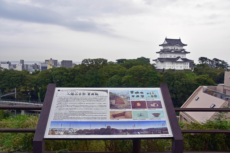 八幡山東曲輪から見た近世小田原城(模擬)