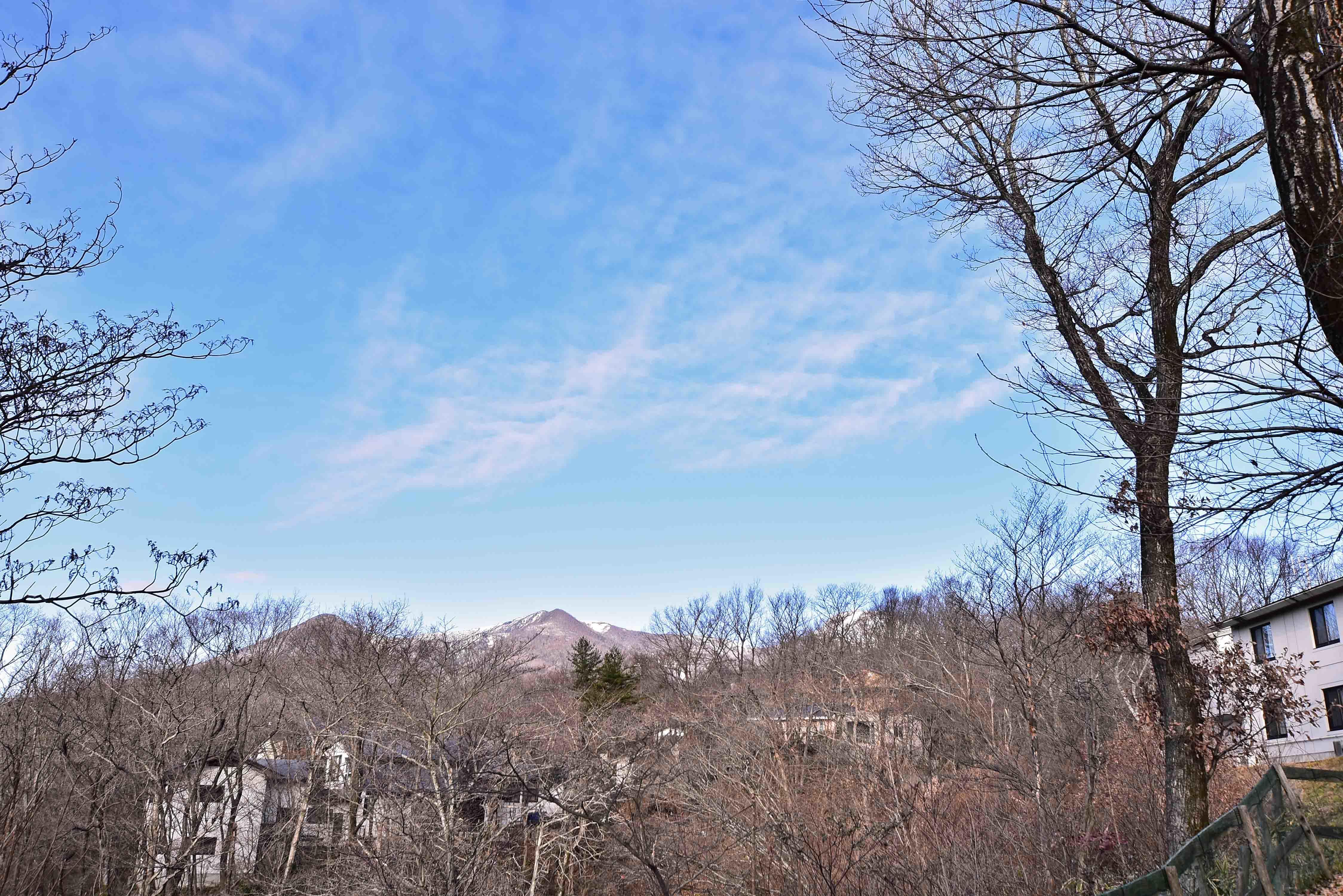 那須連峰は雪が