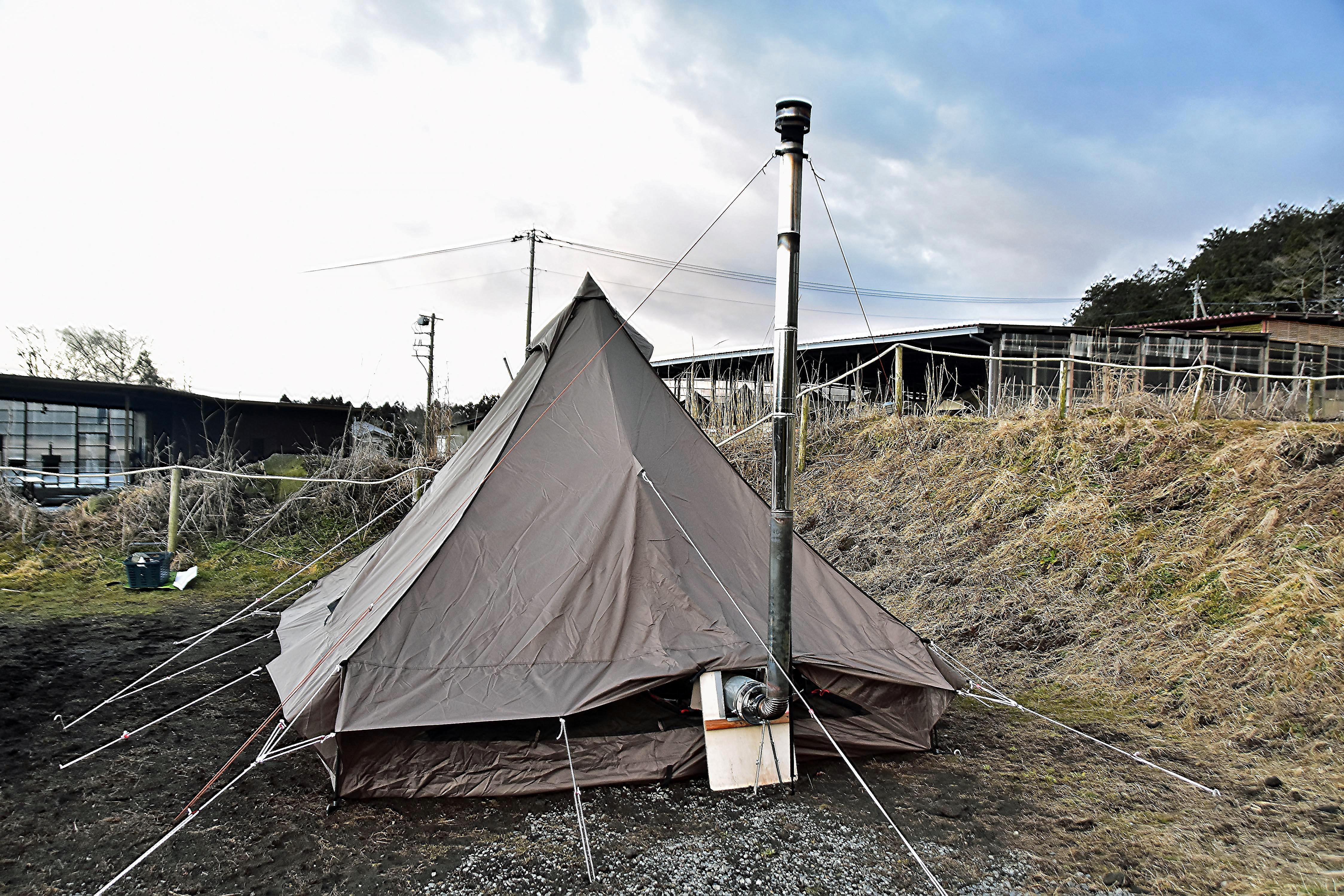 朝まで持ったテント
