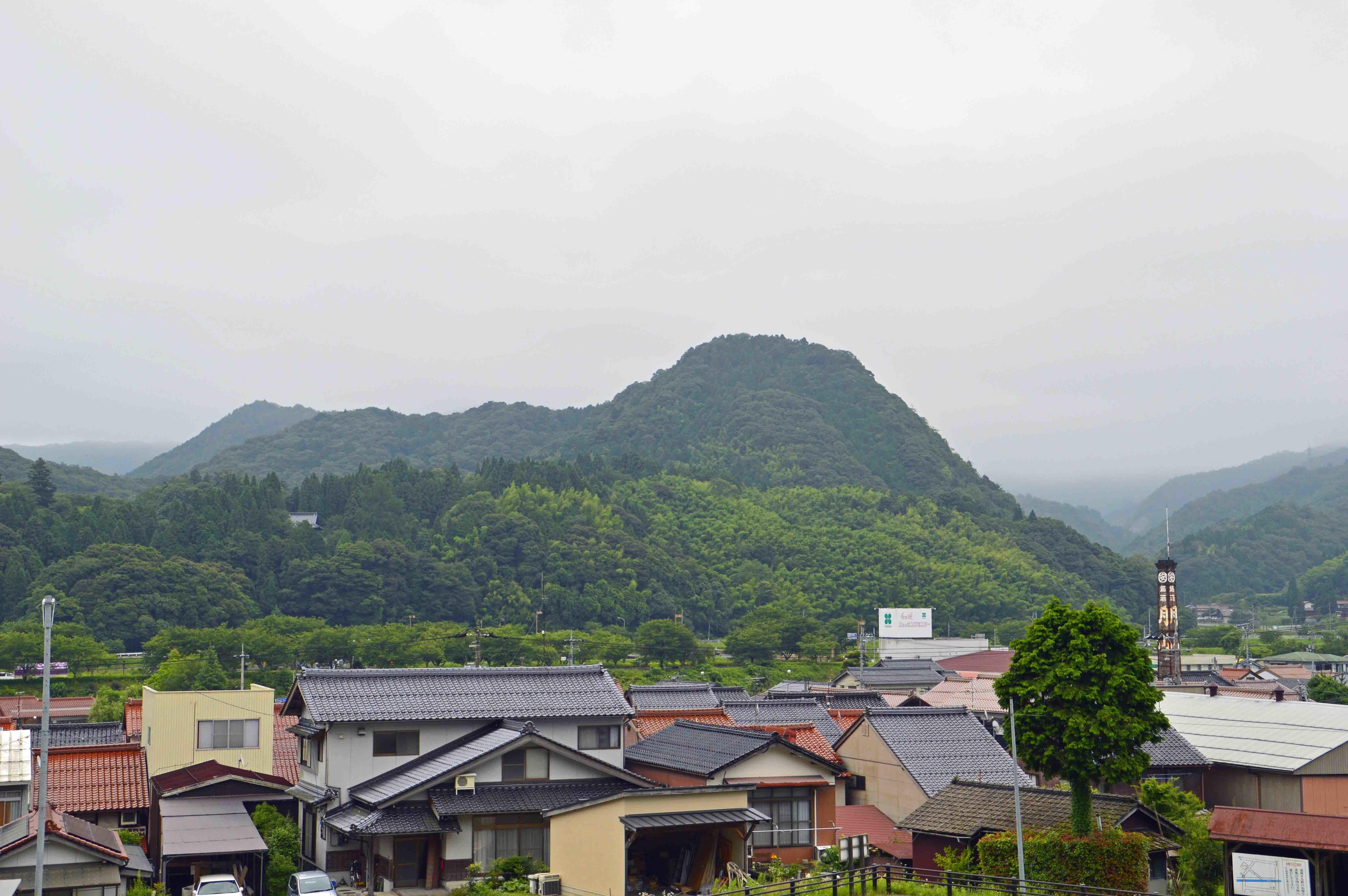 月山富田城遠景