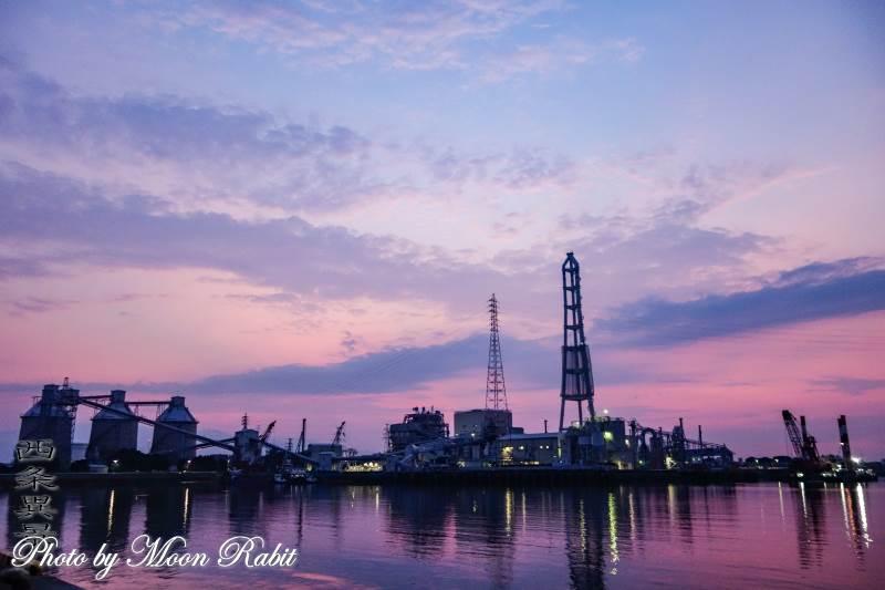 四国電力西条発電所の夕景 愛媛県西条市新堀下