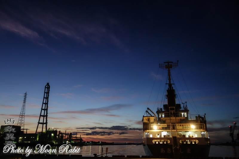 西条港と船 愛媛県西条市新堀下