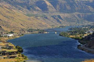 blog (6x4@300) Yoko 123 Omak to Wenatchee, ALT97S Beebe Bridge on the Columbia River_DSC3411-8.11.19.(3).jpg