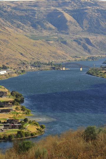 blog (4x6@300) Yoko 123 Omak to Wenatchee, ALT97S Beebe Bridge on the Columbia River_DSC3410-8.11.19.(3).jpg