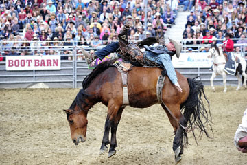 blog (6x4@300) Yoko 32 Gold Country Pro Rodeo, Bareback Riding 1, Kevin Lusk (NS