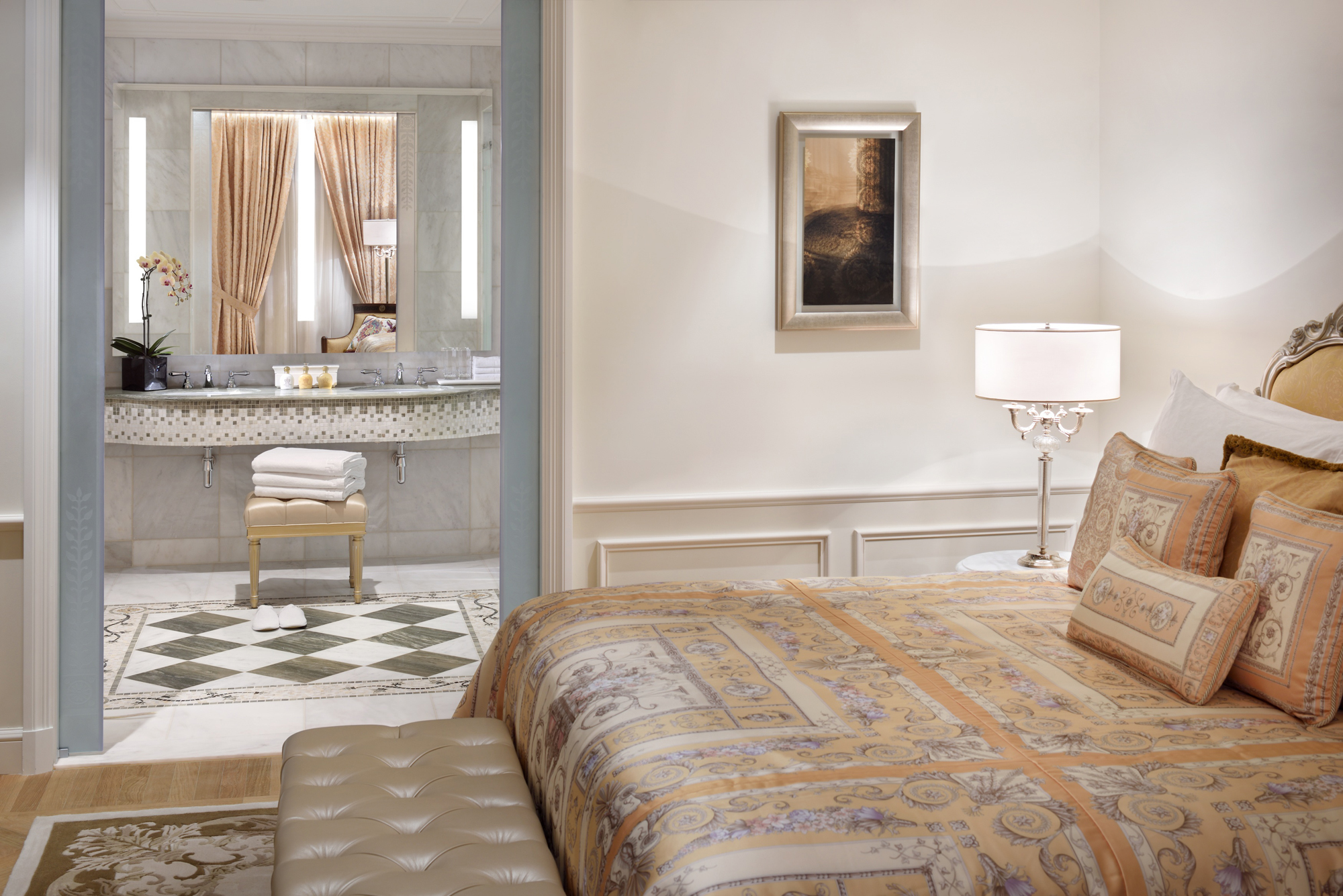 Permiere_Versace_Club_Room_(City_View)_-_Bedroom_with_bathroom.jpg