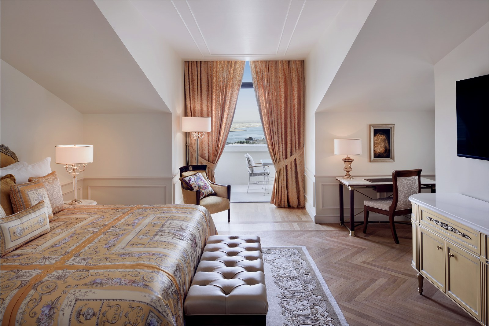 Premier_Versace_Club_Room_(City_View)_-_Bedroom_with_balcony_20191220133945fea.jpg