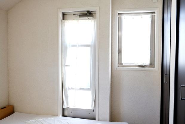 寝室・カーテン①