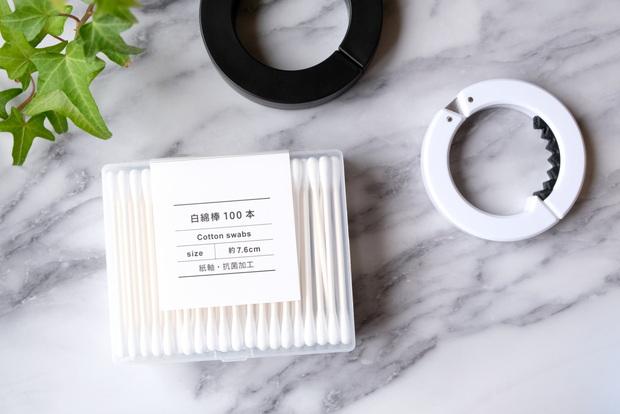 セリア・リング型バッグフック・白綿棒 スクエアケース①
