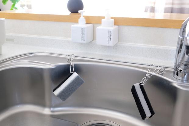 無印・PET詰替ボトル ホワイト 250ml用・ワイヤークリップ・キッチン・シンク・洗剤ボトル・スポンジ収納③