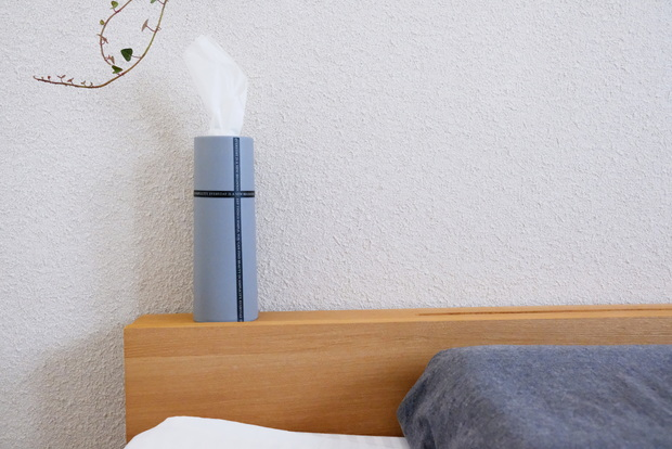 セリア・ティシュー詰め替えケース ボトル型・ティッシュ・寝室①