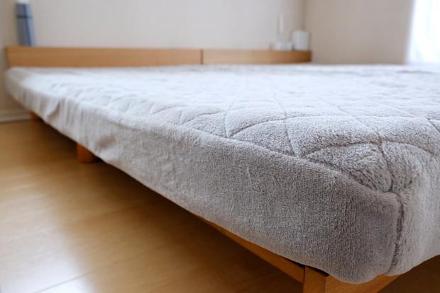 マイクロファイバー・パッド一体型ボックスシーツ・寝室・ベッド③