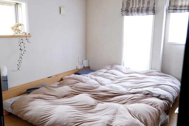 マイクロファイバー・パッド一体型ボックスシーツ・寝室全体①