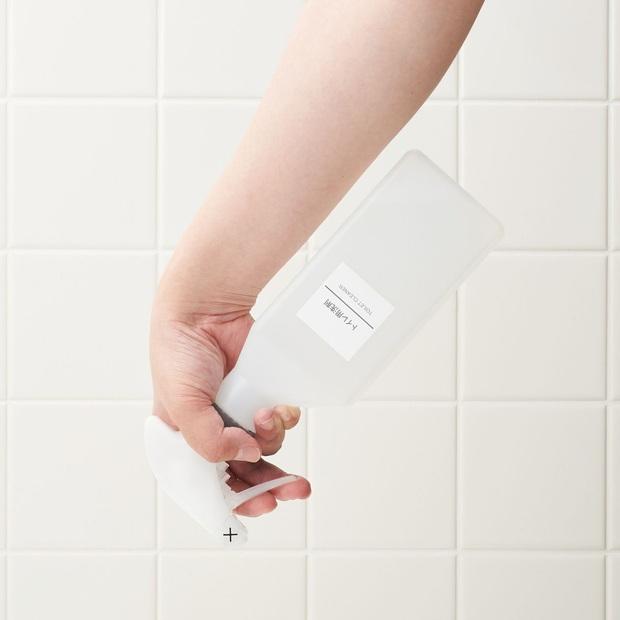 無印・トイレ用洗剤 約400ml・逆さ噴射可能トリガー①