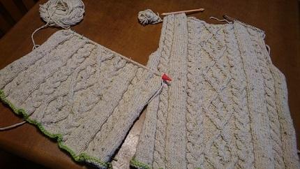 途中縄編みセーター