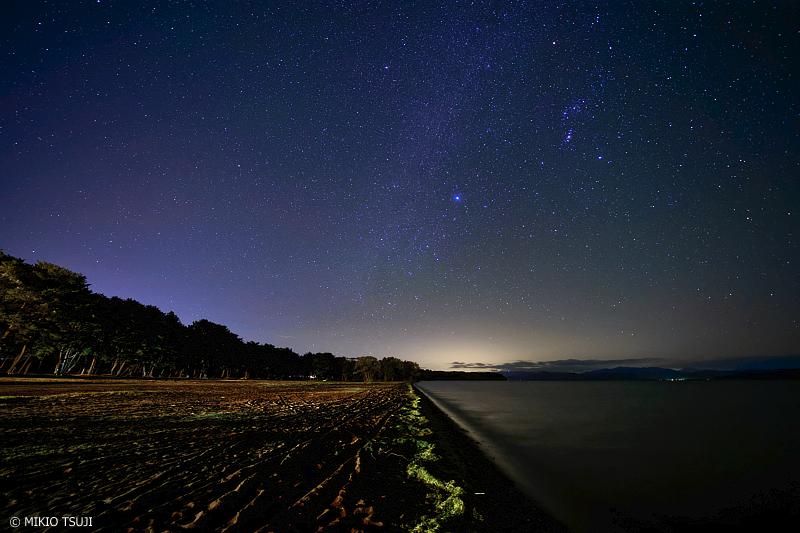 絶景探しの旅 - 1127 天の川銀河に輝くシリウスと猪苗代湖 (福島県 猪苗代町)