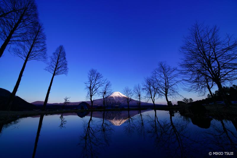 絶景探しの旅 - 絶景写真 No.1195 ふもとっぱらの富士山の風景 (静岡県 富士宮市)