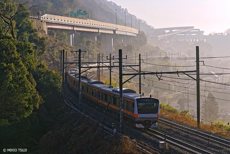 絶景探しの旅 - 絶景写真No.1252 カーブ&ループの風景 (東京都 八王子市)